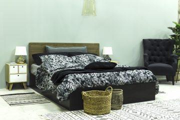 Mesita y decoración para el dormitorio